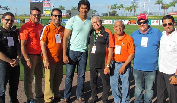 Steven Moya junto a Jesús Mejía, Antonio Puesán, Alberto Rodríguez, Pablo Peguero, Frank Gonzalvo y Félix Peguero